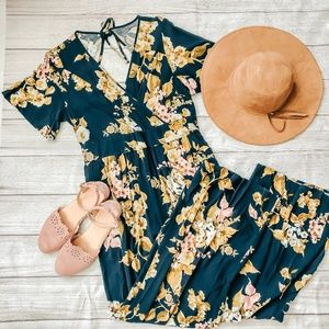 Xhilaration Large Short Sleeve Blue Floral Romper